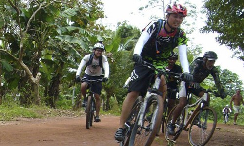 Trilha para iniciantes: Ramal de Jandira e Rio Solimões (AM)