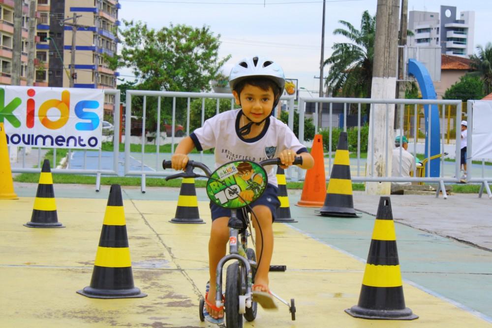Kids em Movimento agita a criançada no Saúde de Rua 2012